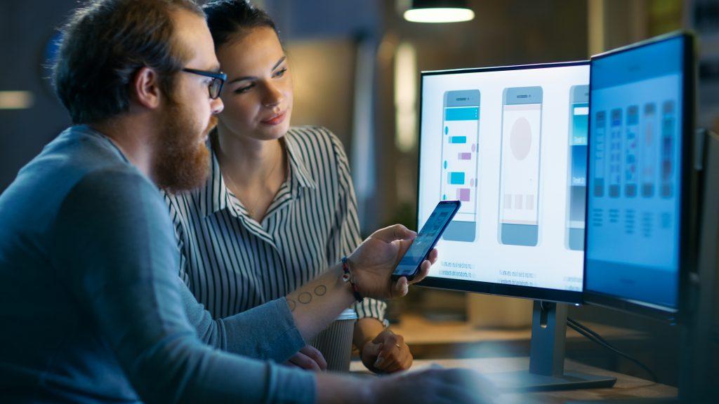 4 Modalități prin care tehnologia schimbă modul de învățare